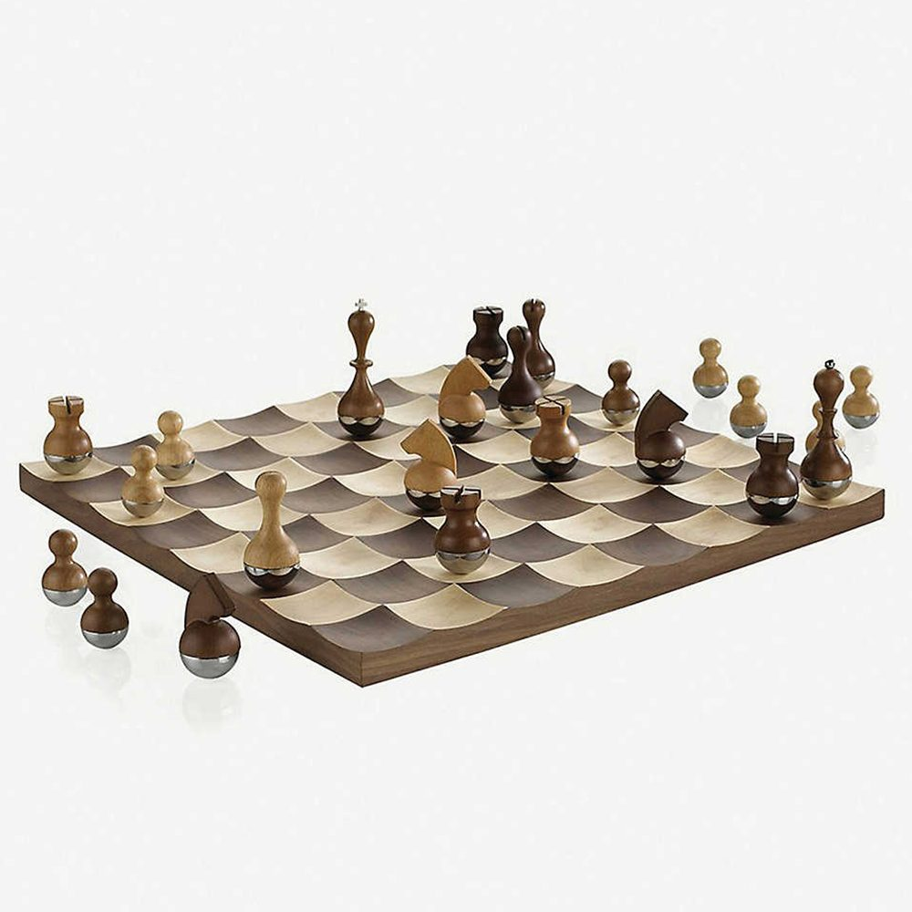 Umbra-wooden-chess-set